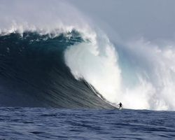 Biggest Waves, Big Wipeouts ....How It Feels